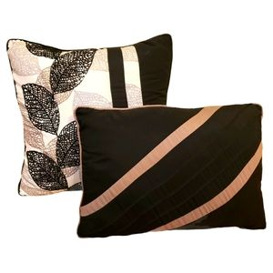 S. L. HOME FASHIONS Set of Accent Throw Pillows